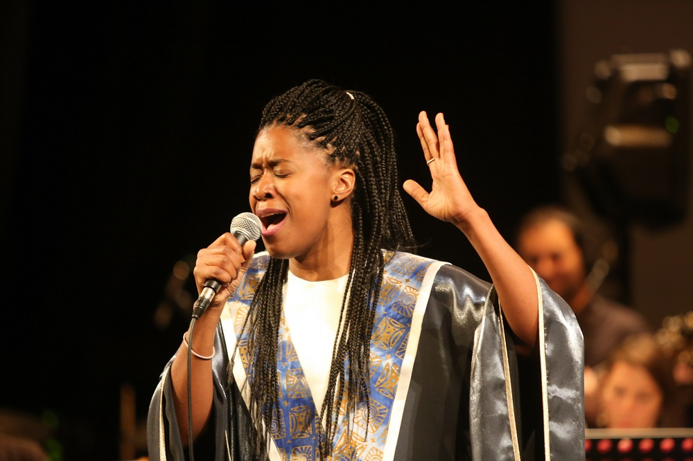 Cantante premios voluntarios de Tres Cantos