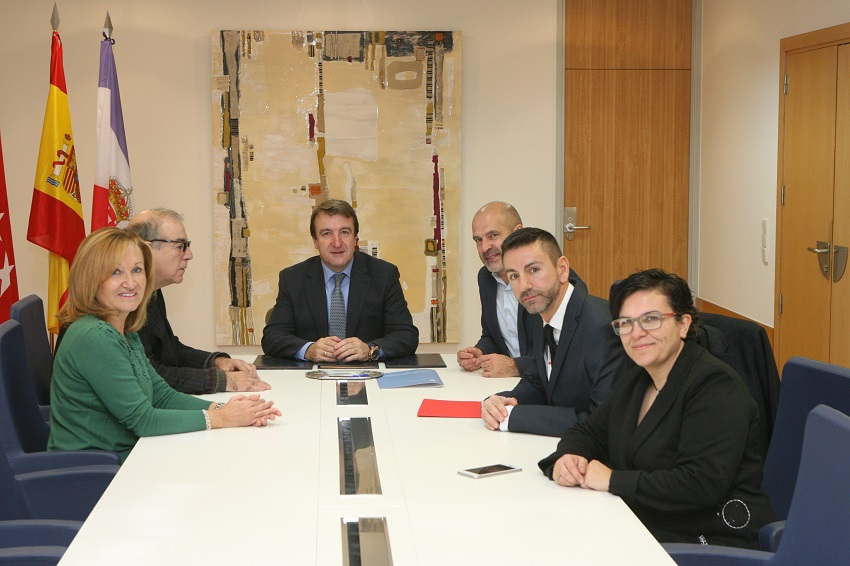 El ayuntamiento firma el convenio de colaboraci n 2018 con for Fuera de convenio 2018
