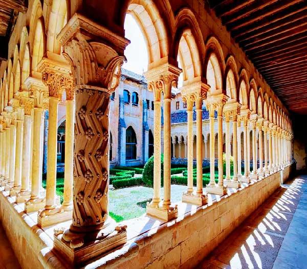 Exposición: Monasterios de Castilla y León
