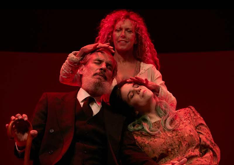 Teatro: La casa de los espíritus (de Isabel Allende)